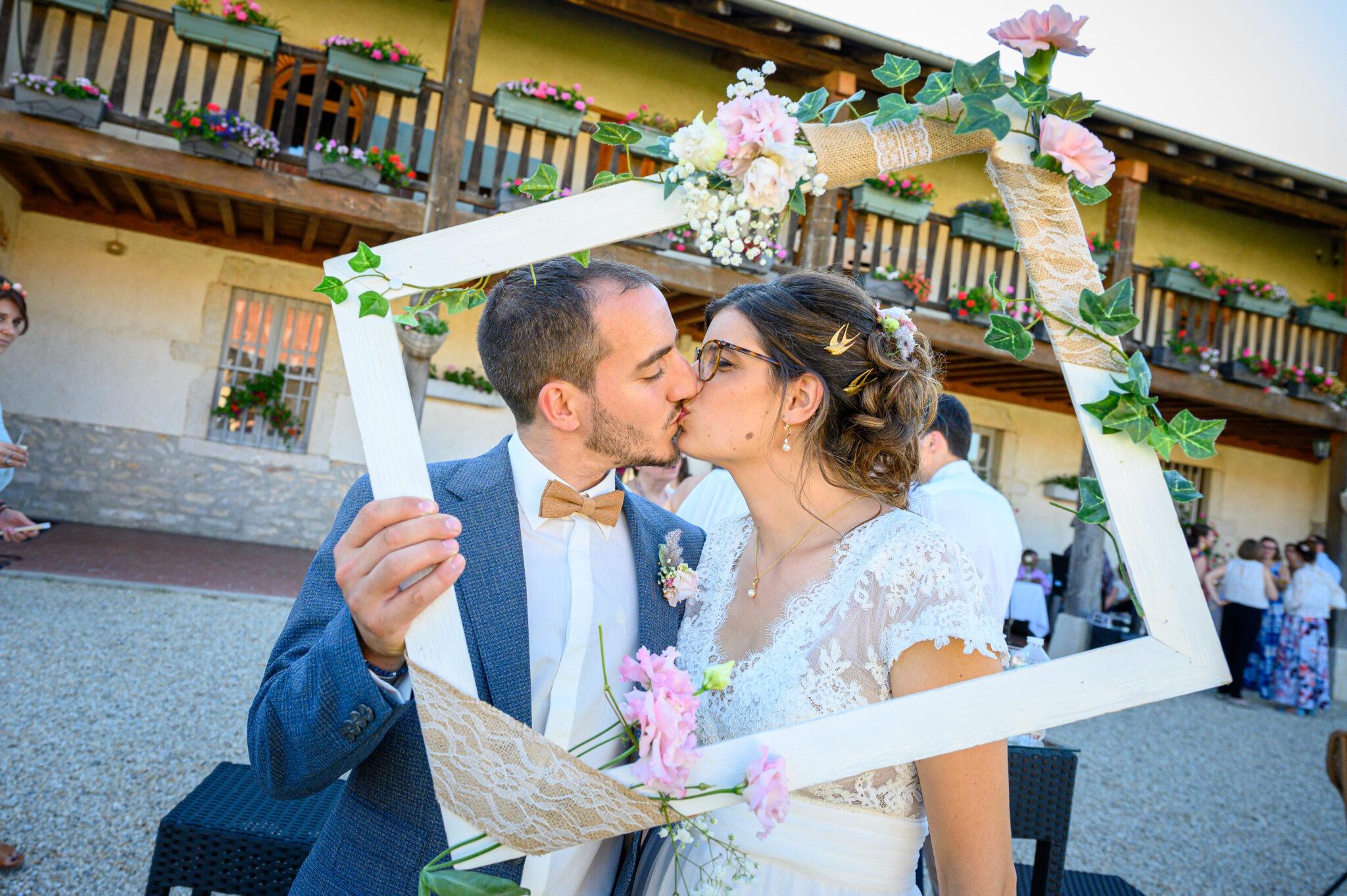 Couple de mariés, mariage dans le Beaujolais près de Lyon et organisé par Dj ArtSong